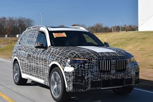 BMW X7 Pre-Production Models Caught Testing In The Wild