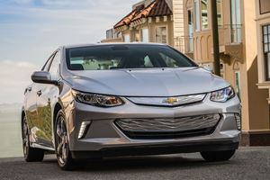 Chevrolet Will Reportedly Pull The Plug On The Volt In 2022