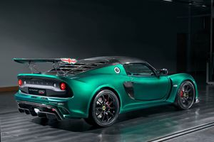 Kick Back And Watch The Lotus Exige Cup 430 Define Extreme On Track