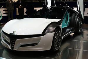 Video: Bertone Alfa Romeo Concept