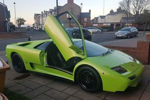 This Fake Lamborghini Diablo Doesn't Look Half Bad