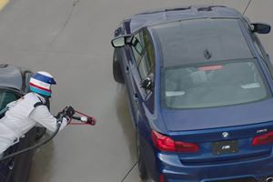 BMW Sets Record For Longest Drift  By Refeuling On The Move