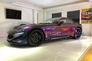TVR Should Have Debuted The Griffith With This Amazing Chameleon Paint
