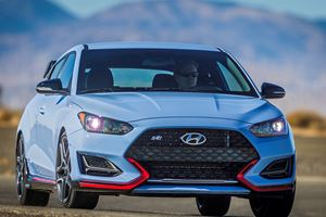 The 2019 Hyundai Veloster Is Finally A True Hot Hatchback Competitor