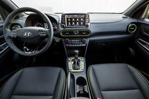 Compare Hyundai Kona vs Hyundai Venue | CarBuzz