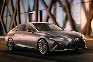 All-New Lexus ES Looks A Lot Like The LS