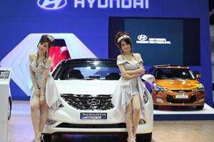 Beautiful Babes at the Bangkok Motor Show