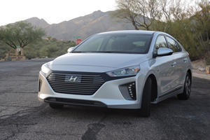 2018 Hyundai Ioniq Hybrid Test Drive Review: Your Everyday Prius Beater