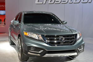 2013 Honda Crosstour Concept Takes a Bow in the Big Apple