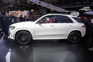 All-New 2020 Mercedes-Benz GLE SUV Bows In Paris
