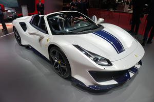 Ferrari 488 Pista Spider Drops Its Top In Paris