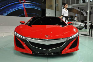Acura NSX Arrives at Beijing Auto Show in Sultry Shade of Red