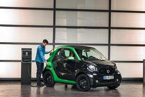 Going Electric May Not Be Enough To Save The Smart Brand