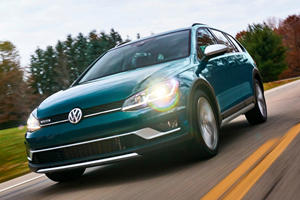 2019 Volkswagen Golf Alltrack Receives Optional Manual For All Trims