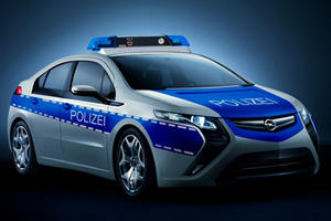Opel Ampera EV Police Cruiser Ready for European Streets