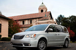 First Look: 2011 Dodge Grand Caravan/Chrysler Town & Country
