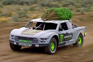 Now THIS Is How You Bring Home A Christmas Tree