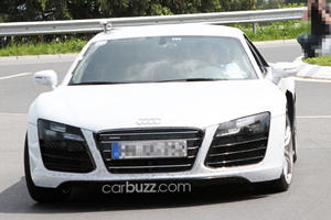 2013 Audi R8 Facelift Hits the Road with a Vengeance