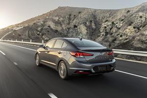 Compare Ford Fusion vs Hyundai Elantra | CarBuzz