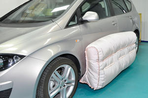New Car Airbag Is Cleverer Than It Looks