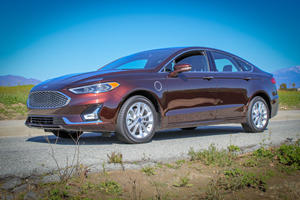 2020 Ford Fusion Energi Review: A Transformation Into Retrogression
