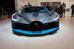 Bugatti Chiron's Titanium Grille Stops Birds From Smashing Radiator
