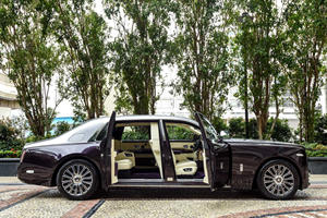One-Off Rolls-Royce Phantom Places A Premium On Privacy