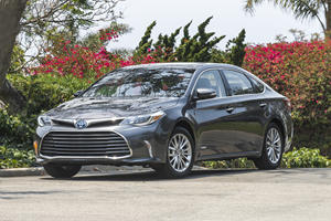 2018 Toyota Avalon Hybrid Review