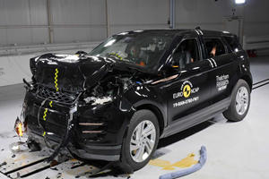 New Range Rover Evoque Crashes Its Way To A 5-Star Safety Rating