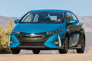2020 Toyota Prius Prime Finally Adds Apple CarPlay