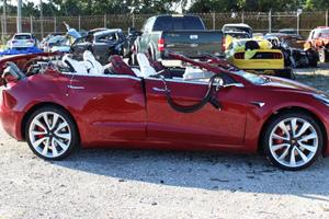 Tesla's Autopilot Lacks A Serious Crash Prevention Feature
