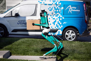 Ford's New Delivery Robot Is Fascinating To Watch