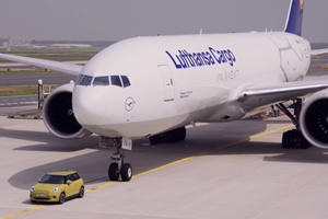 Watch The New Mini Cooper Pull A 150-Ton Boeing 777