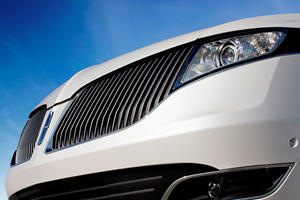 Lincoln's Big And Funky-Looking SUV Refuses To Die