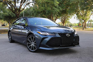 2019 Toyota Avalon Test Drive Review: Discovering Its Cool Side