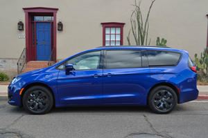 2019 Chrysler Pacifica Hybrid Test Drive Review: Putting The Fun Back In Parenting