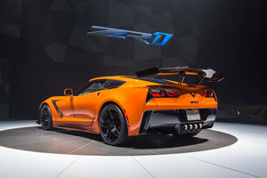 Chevrolet Desperately Wants To Sell Corvette Owners A New C7