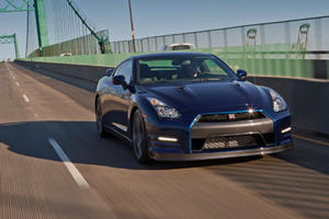 First Look: Nissan GT-R