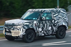 New Land Rover Defender Caught Ripping Through The Ring