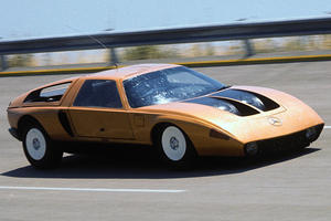 The Mercedes-Benz C111 Hit 250 MPH Decades Before Bugatti Veyron