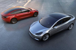 Tesla Brings Back Free Supercharging