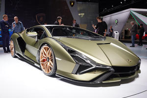 Next-Gen Lamborghini Aventador Won't Get Sian's Revolutionary Tech