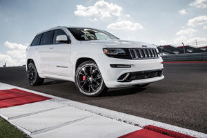 The Jeep Grand Cherokee SRT-8 Is Your Budget Family Dragster