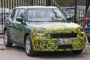 Refreshed Mini Countryman Poses For Its Closeup