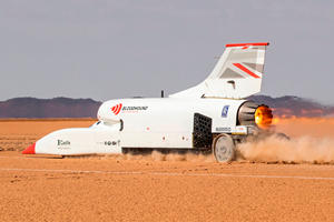 Bloodhound LSR Jet Car Smashes 600-MPH Speed Target