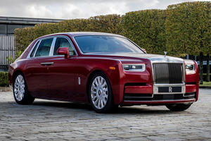 One-Off Rolls-Royce Phantom Comes With 25-Hour Paint Job