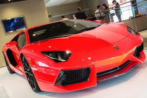 Lamborghini Updates Aventador with Minor Revisions