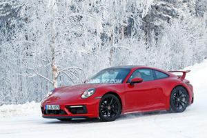 Porsche 911 Spotted Rocking A Giant Rear Wing