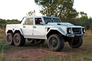 Lamborghini LM002 6X6 Is The Ultimate Offroader