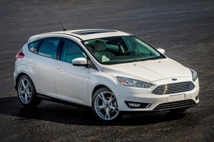 Transmission Failure Forces Ford Focus Owner To Drive Only In Reverse